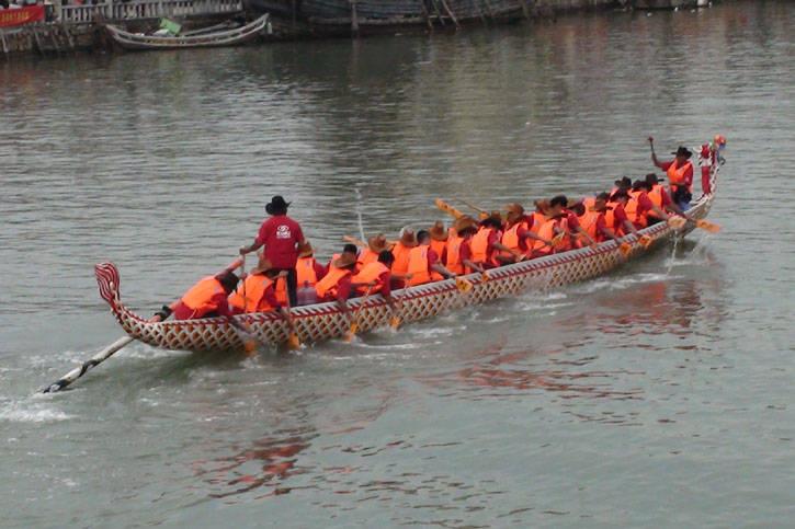 30人传统型龙舟