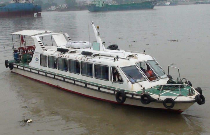 30座客�\艇
