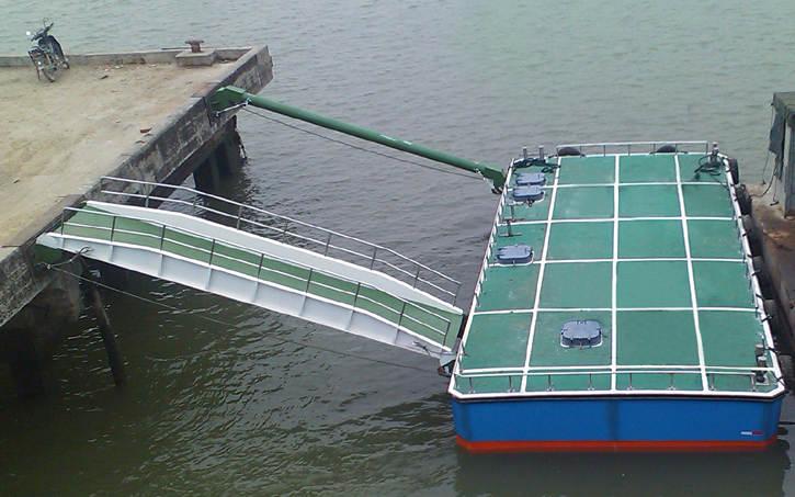 10m码头趸船